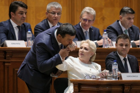 Dăncilă către Opoziție: Chiar vă doriți să veniți la guvernare? Eu știu că nu