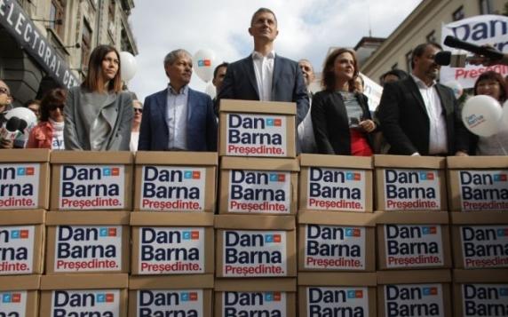 Dan Barna şi-a depus candidatura pentru Cotroceni: Iohannis a fost un pompier. Dacă era un gospodar mai atent, poate nu se ajungea să luăm foc de atâtea ori