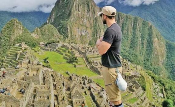 Dani Oţil îşi răsfaţă iubita sexy în Peru. Uite ce palmares are tânăra!
