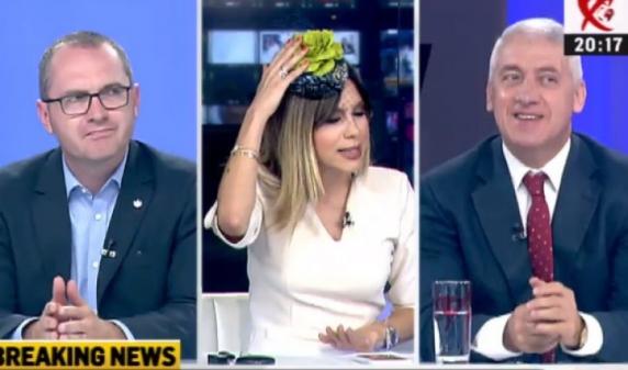 """Denise Rifai a parodiat-o din nou pe Viorica Dăncilă în emisiunea """"Legile puterii"""" de la Realitatea TV"""