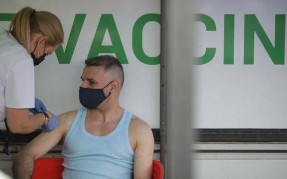 """Directorul general al OMS denunţă """"lăcomia"""" ţărilor care se gândesc la o a treia doză de vaccin anti-COVID-19"""