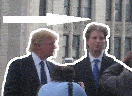 Donald Trump, în alertă! A fost scuipat în Chicago