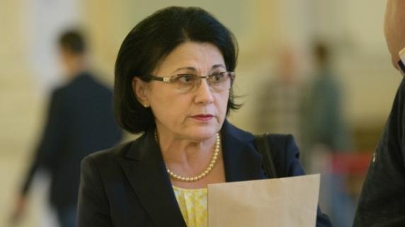 Ecaterina Andronescu propune o nouă reformă în învăţământ. Ministrul Educaţiei vrea bacalaureat diferenţiat