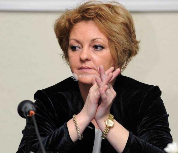 "Elena Petrascu, de profesie ""blonda de ministri"", trage sforile sa-l fraiereasca si pe Bode ca sa revina la Transporturi"