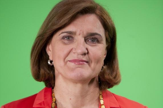 Elisabeta Lipă dă înapoi! Ministrul Sportului ar putea aproba intonarea imnului înaintea meciurilor de baschet feminin!