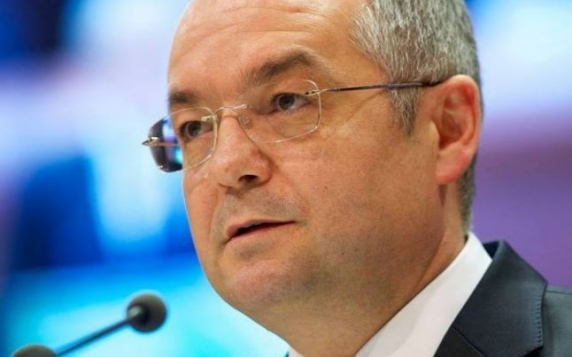 """Emil Boc la adresa lui Ludovic Orban: """"Benzina lui se apropie de sfârşit. Dacă nu era preşedintele Iohannis PNL nu era la guvernare!"""""""