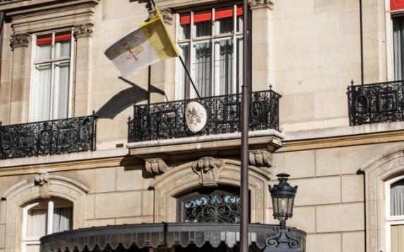 Fostul ambasador al Vaticanului în Franţa, condamnat pentru agresiuni sexuale
