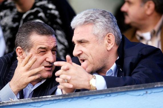 Giovani Becali i-a închis telefonul în nas vărului Gigi! De la ce a pornit cearta!
