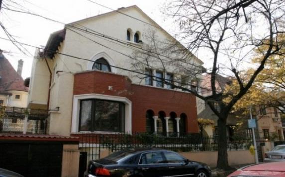Ilie Năstase şi-a vândut în secret vila din Primăverii primită cadou în 1972 de la regimul comunist
