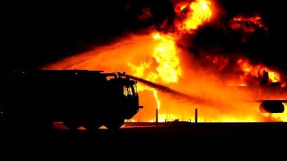 Incendiu puternic la o fermă de porci din Tichilești, județul Brăila. Localitatea e afectată de pesta porcină