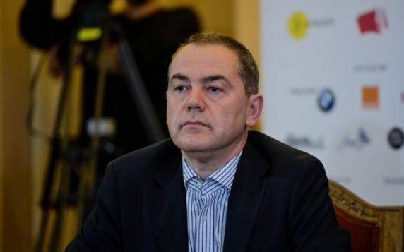 INCREDIBIL: Ministrul culturii, Vlad Alexandrescu, introduce taxă pentru cărțile împrumutate de la bibliotecă