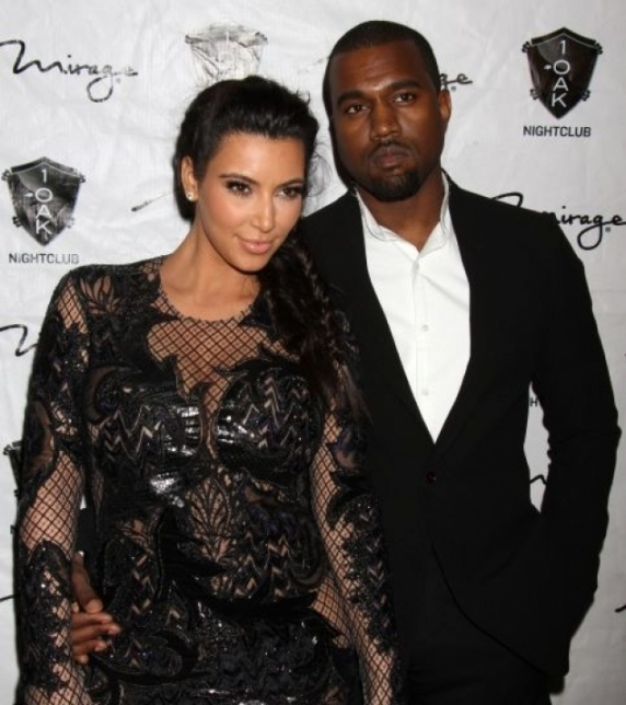 Kanye West a fost internat la un spital de psihiatrie! Sotul lui Kim Kardashian a fost legat cu catuse in ambulanta
