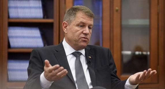 """Klaus Iohannis a transmis un mesaj la """"Forumul Pieței financiare, ediția a III-a"""": Din punct de vedere economic, România merge într-o direcție greșită!"""