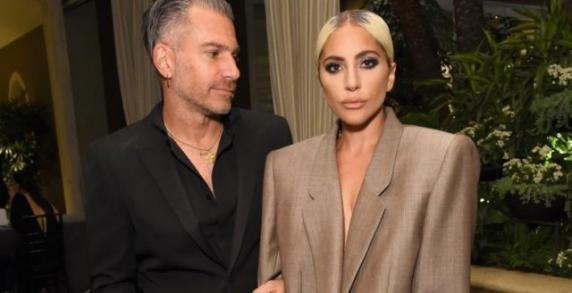 """Lady Gaga s-a despărţit de logodnicul Christian Carino. """"Nu există o poveste dramatică"""""""