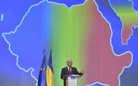 Liviu Dragnea, în finalul discursului său: Vreţi să mai fiu în continuare preşedintele vostru?