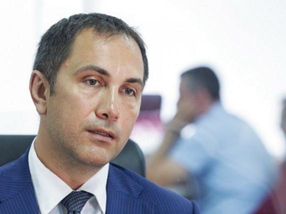 Lucian Isar, soțul Alinei Gorghiu, stă cu banii la saltea sau la prieteni