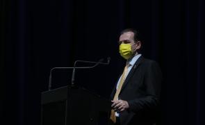 Ludovic Orban dă să intre-n depresie! E afectat de gestul liberalilor care l-au părăsit pentru Florin Cîțu