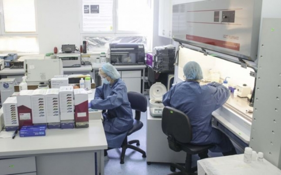 """MApN: """"Cantacuzino"""" are o capacitate de producţie de 1.000 de flacoane de OROSTIM HV la 14 zile. Solicităm implicarea firmelor private"""