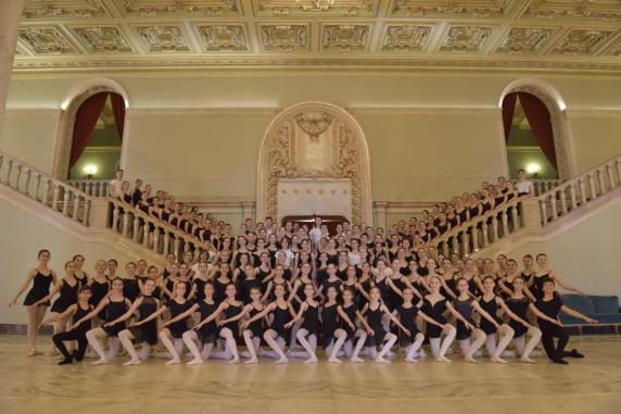 Micii balerini de la Liceul de Coregrafie au Olimpiada
