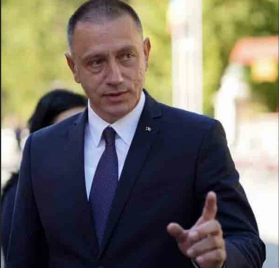 Mihai Fifor demonstrează dezinformarea premierului Cîțu cu privire la așa-zisa creștere a salariului mediu