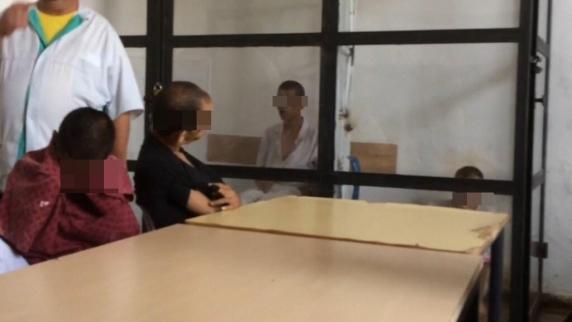 Pacienți ținuți în cuști și legați de pat la Centrul pentru persoane cu handicap din Sighetu Marmației