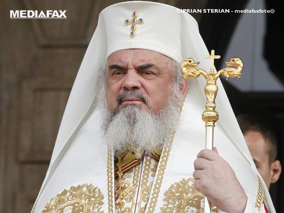 """Patriarhul Daniel: """"În 1989 autorităţile comuniste au interzis închinarea la moaştele Sfântului Cuvios Dimitrie. Peste câteva luni regimul a căzut!"""""""