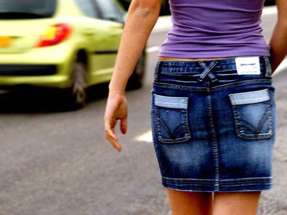 Percheziţii în Bucureşti şi alte trei judeţe la persoane care duceau tinere la prostituţie în Anglia