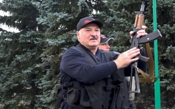 Preşedintele Belarusului, Aleksandr Lukaşenko, ameninţă Polonia şi Lituania cu revendicări teritoriale după ce le-a inundat cu migranţi