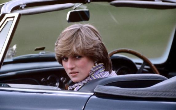 """Prima mărturie a medicului care a încercat să o salveze pe prinţesa Diana: """"Inima ei nu putea funcţiona corect"""""""