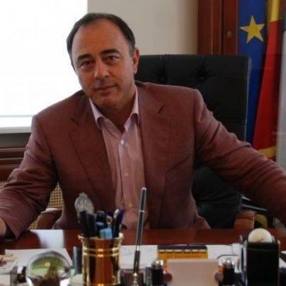 Primarul din Targu Mures decide cine face copii: Parintii sa aiba loc de munca si nivel minim de educatie. Altfel, copilul sa fie luat de stat