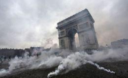 Proteste masive în Franța împotriva vaccinării obligatorii