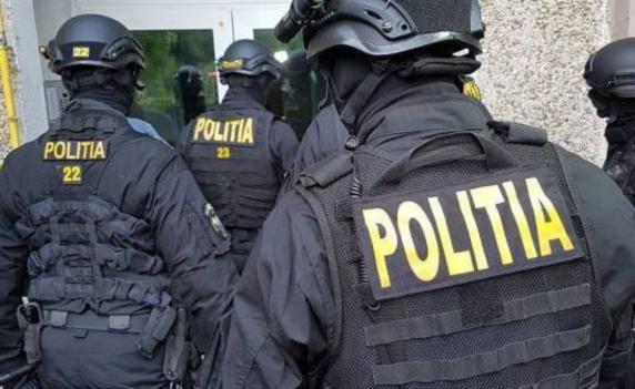 Rădoi spune că polițiștii din Caracal sprijină clanurile și le anunță înainte de descinderi