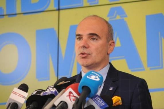 Rareș Bogdan: Președintele Iohannis l-a salvat de două ori pe Orban de la debarcare