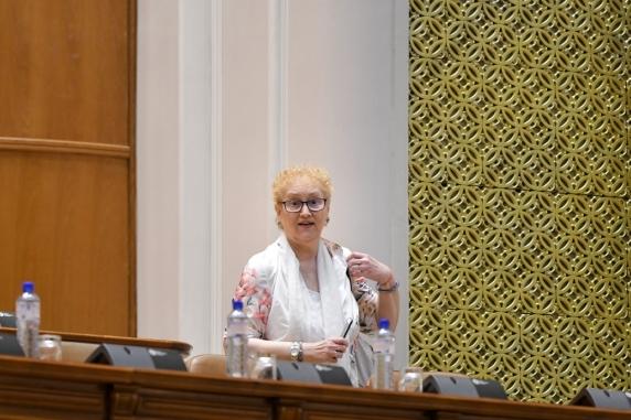 Renate Weber refuza sa spuna daca va sesiza CCR pe Codul Administrativ din postura de Avocat al Poporului
