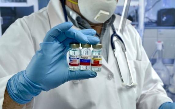 """Rusia a anunţat primele studii clinice cu vaccinuri combinate: """"Toţi ceilalţi merg acum pe urmele noastre"""""""