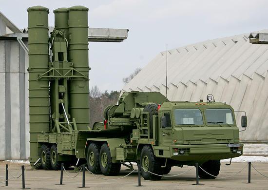Rusia desfasoara suplimentar rachete S-400 in Crimeea