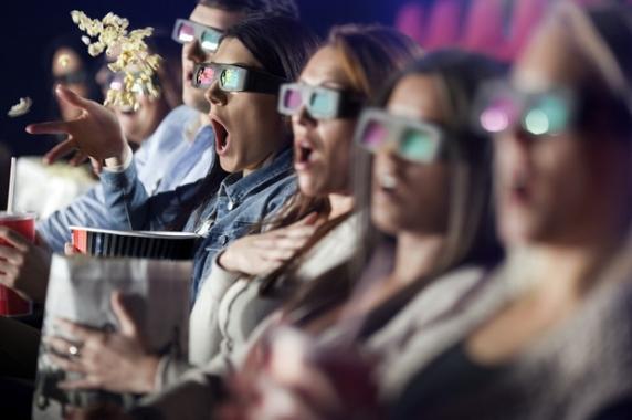 S-a deschis primul cinematograf 12D din ţară! Scaunele vibrează în funcţie de acţiune