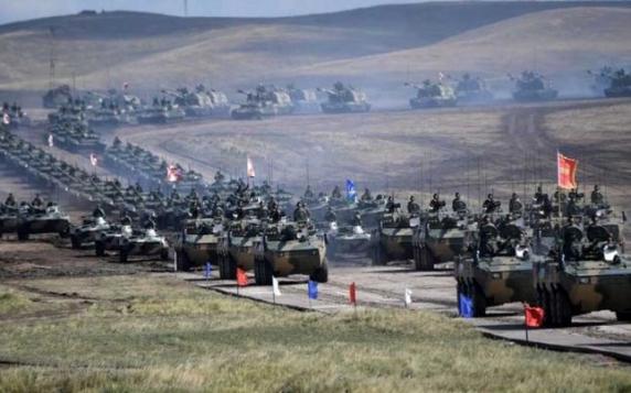 Servicii secrete: Rusia se pregăteşte pentru un razboi mondial. Mişcările militare ruseşti anti-NATO sunt făţişe