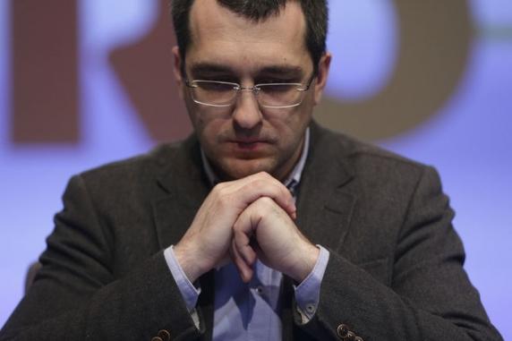 """Specialist in IT despre sistemul patronat de Vlad Voiculescu: """"Mama s-a reinfectat cu COVID după ce-a murit!"""""""