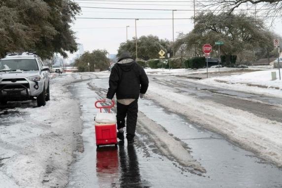 SUA: Frigul și lipsa apei copleșesc spitalele din Texas mai mult decât pandemia de Covid