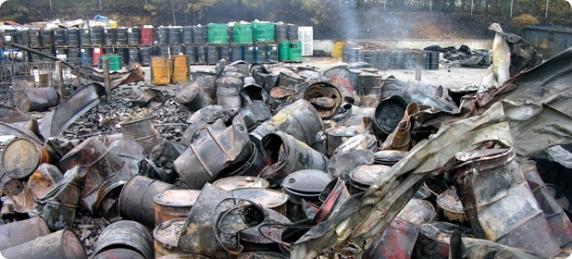 Sute de mii de tone de deşeuri periculoase din Italia pleacă spre România