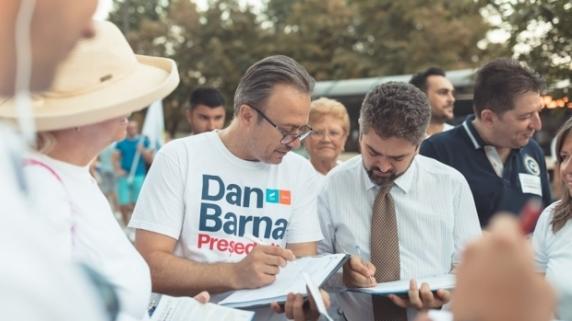Theodor Paleologu a semnat pentru candidatura lui Dan Barna: Îl lasă consilierii să semneze şi el pentru mine?