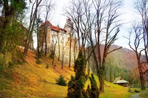 TOP 10 cele mai înfricoșătoare destinații de călătorie din lume de Halloween. Pe locul întâi, Castelul Bran din Transilvania