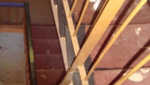 Tragedie într-un bloc din Constanța: O persoană a căzut pe casa scărilor