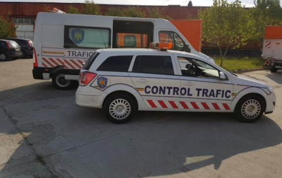 Un funcționar public controleaza concursurile la Ministerul Transporturilor. Cum ajunge sotia colegului pe un post de conducere