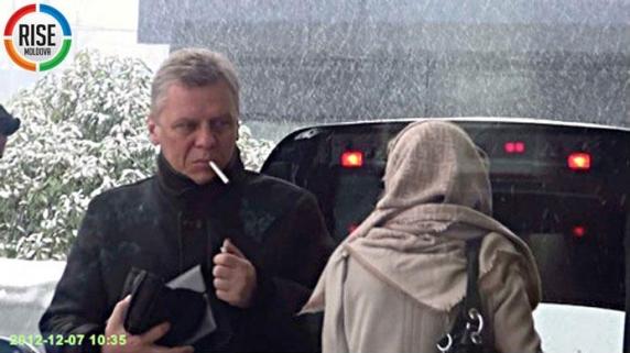 Un om de afaceri, apropiat al fostului lider Vlad Plahotniuc, a fost găsit împușcat în cap pe un câmp în apropiere de Chișinău