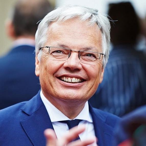 Uniunea Europeană ar putea fi distrusă de deciziile curților constituționale, avertizează Comisarul European pe Justiție