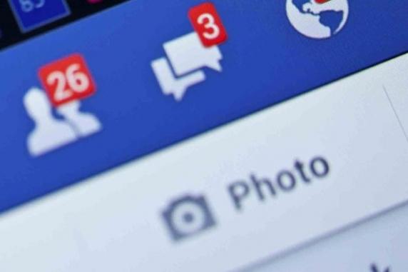 Utilizatorii de Facebook îşi vor putea transfera, în curând, imaginile şi clipurile video în serviciul Google Photos