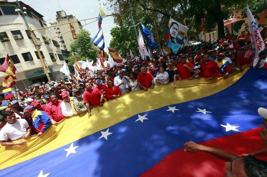 Venezuelenii sunt chemaţi la urne pentru un scrutin controversat