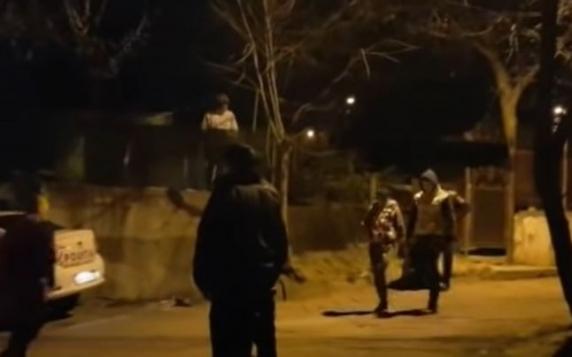 Vilă răvăşită de o gaşcă de copii-infractori: Au provocat daune uriaşe şi au fost opriţi cu focuri de armă